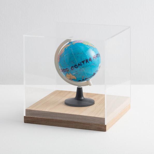 Paulo Bruscky, O Mundo foi Dedetizado contra Arte